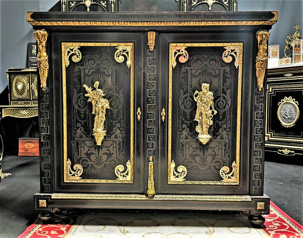 meuble d'appui deux portes marqueterie boulle estampillé BEFORT Jeune époque Napoléon 3